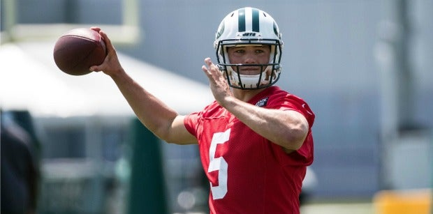 LOOK: Christian Hackenberg suits up for Raiders for first time