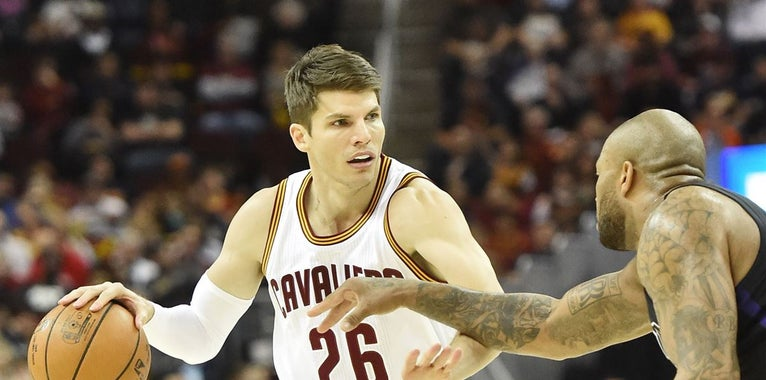 Report: Cavs, 76ers discussing Kyle Korver/Jerryd Bayless trade
