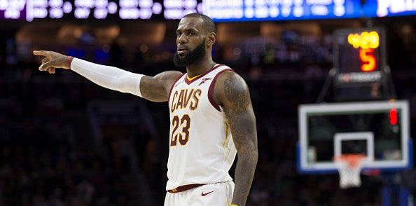 LeBron surpasses Karl Malone for 6th on playoff rebounding list