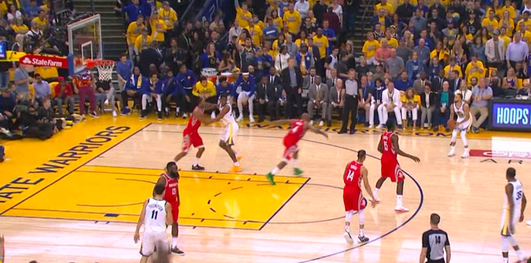 WATCH: Stephen Curry hits long bomb to tie game for Warriors