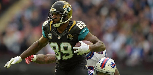 Green Bay Packers sign TE Marcedes Lewis