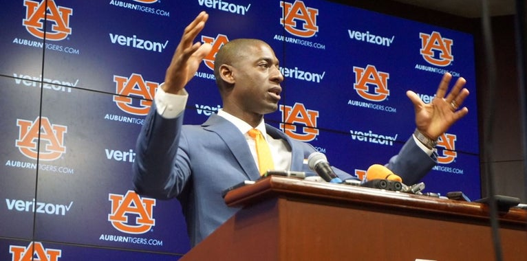 Auburn hires away Georgia assistant athletics director