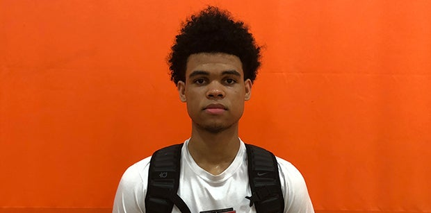 2019 forward Malik Hall sets trip to Oregon, working on others