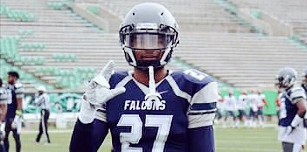 Daily VIP BUZZ: QB Offers React, Latest With Nation's Top JUCO