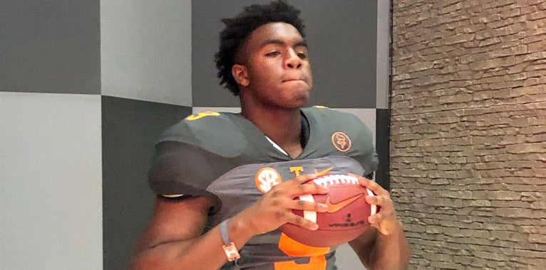 Four-star Louisiana LB set to return to Tennessee