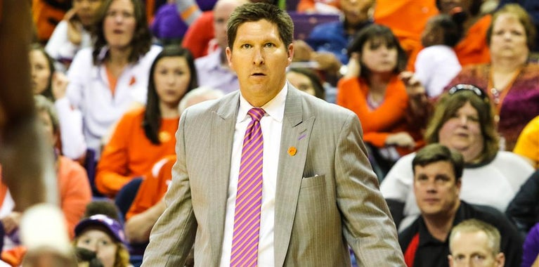 Clemson extends Brad Brownell's contract