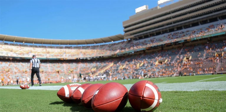 Pruitt: Vols spring game crowd 'kind of like our football team'