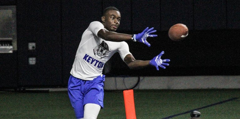 Four-star WR commit locked in with Vols, recruiting others