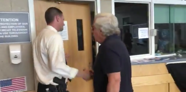 Robert Kraft visits Weymouth Police following death of officer