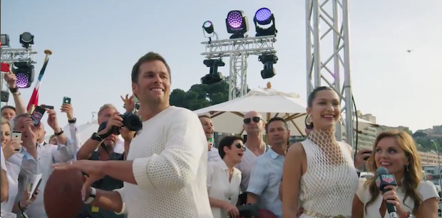 Tom Brady throws strike to Daniel Ricciardo off mega yacht