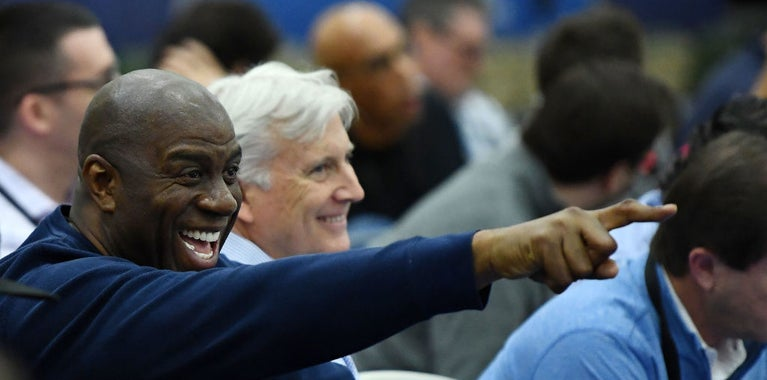 Magic will step down if Lakers can't add free agents by 2019