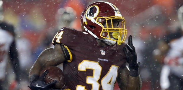 Vikings claim running back, waive two players