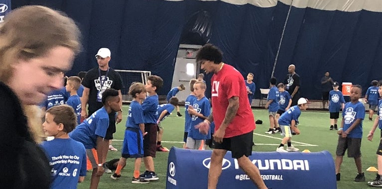 Evan Engram leads local community Hyundai Youth Football Camp