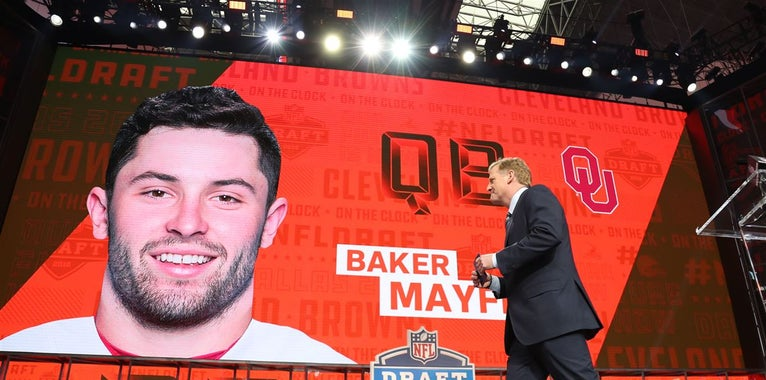 Local media member agrees to eat poop after Baker Mayfield pick