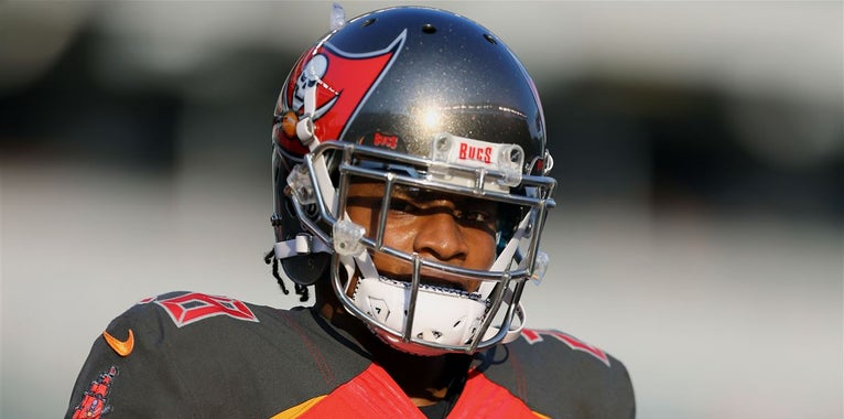 Buccaneers have no comment on video of Vernon Hargreaves smoking