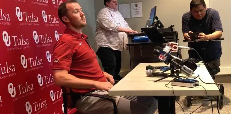 Coach Lincoln Riley looks to find teams talent in 2018 Sooners