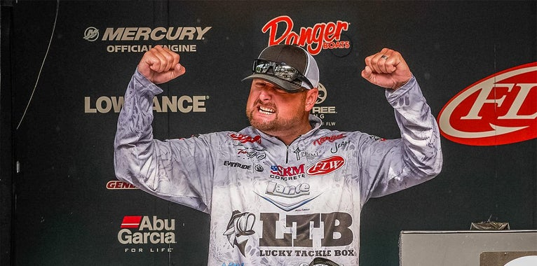 Lambert Breaks Records, Wins by 28 Pounds on Kentucky Lake