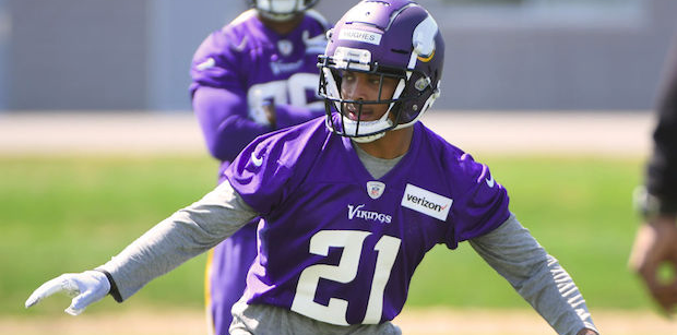 Mike Hughes signs rookie contract with Vikings
