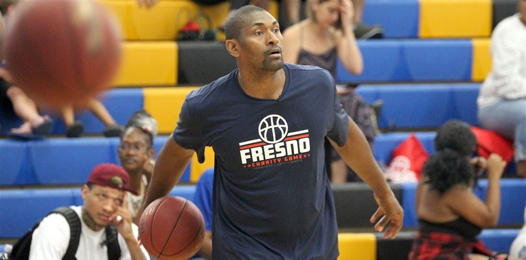 Charity basketball game unites Fresno community, former Bulldogs