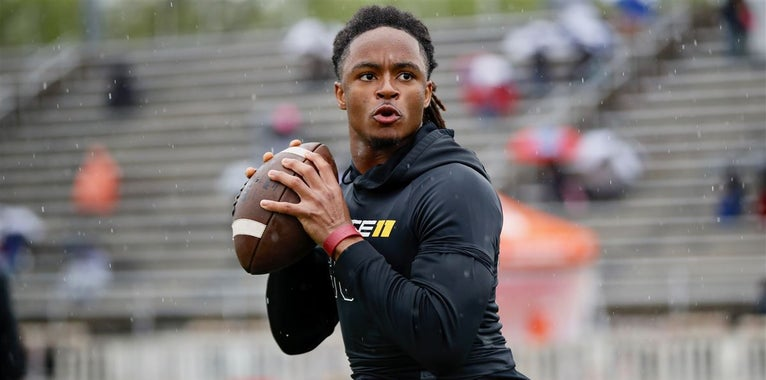 Dawg Treats -  Latest on 2018 class left to report