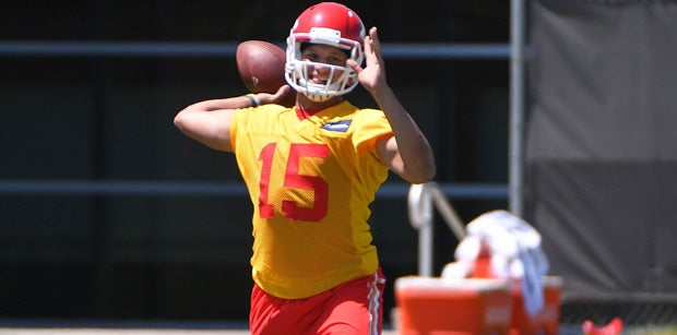 Top tweets, injury news, highlights from Monday Chiefs practice
