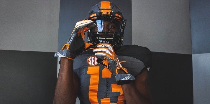 Four-star, in-state WR earns 'official' offer from Vols