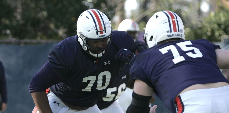 Former 5-star Calvin Ashley finds himself in unexpected battle