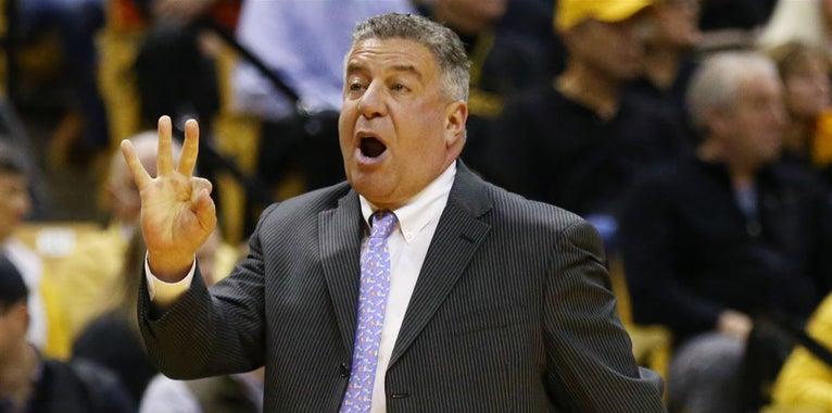 Basketball insider: Recruiting strategy; spotlight rising?