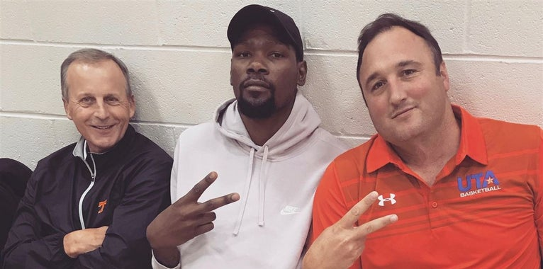 Barnes courtside with Durant while recruiting at Peach Jam
