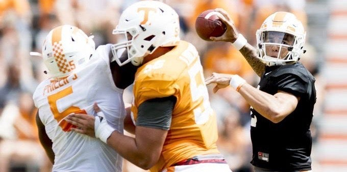 First-team offense shines in Vols' Orange & White Game