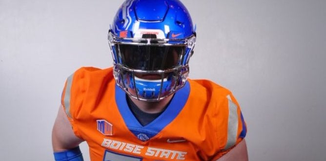 Boise State Lands Big Offensive Tackle Commitment